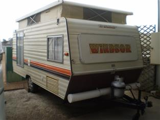 15' WINDSOR  WINDCHEATER 1986