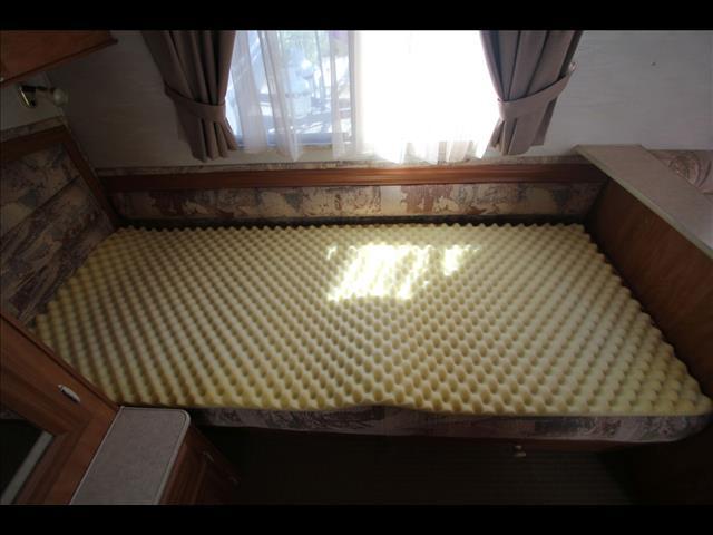 1999 Coromal Seka 505 W/Single Beds