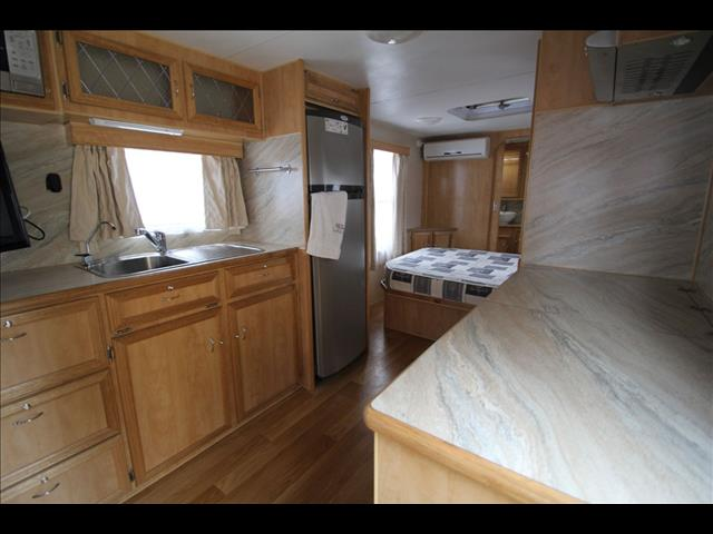 2008 Regal RSV W/East West Bed & Ensuite