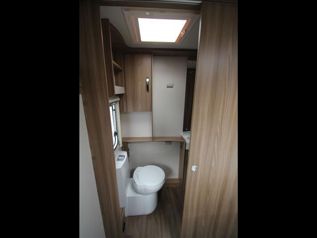 2017 Swift Explorer 580 W/Full Ensuite, Shower & Toilet