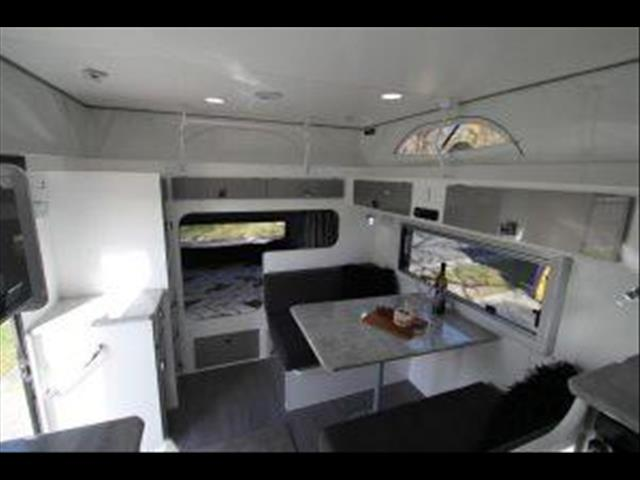 14'6 Duet Xtenda with Dual fold out beds