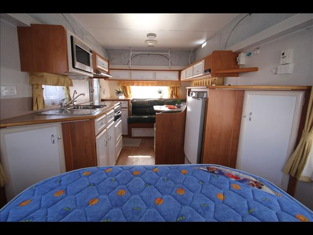 16'6 2006 Golden Eagle Grande Tourer