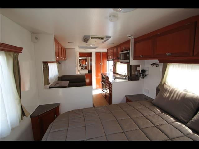 2011 Majestic Knight SIII, East West Bed W/Full Ensuite