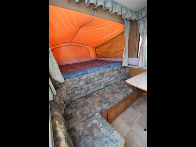 2002 Jayco Flamingo Camper