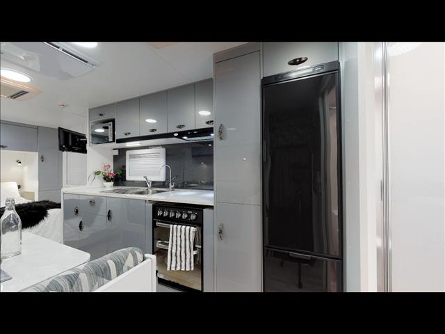 2019 Viscount V3.2 Club lounge 20'6