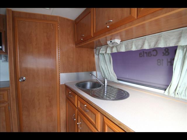 2006 Paramount Delta Single Beds W/Combo Shower & Toilet