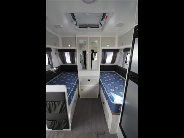 2017 Paramount Micro Single Beds W/Combo Shower & Toilet