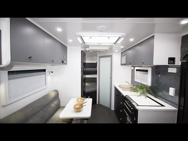 """On The Move Caravans 18'6"""" Traxx Series II Off Roader Family"""