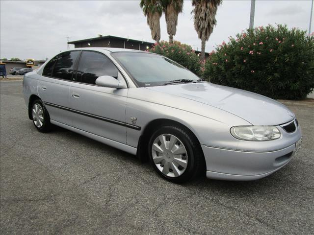 1999 HOLDEN BERLINA VT 4D SEDAN