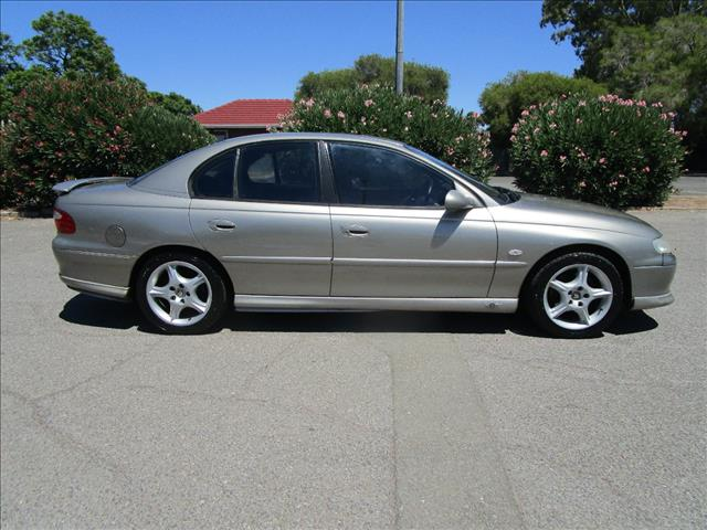 2002 HOLDEN COMMODORE ACCLAIM VXII 4D SEDAN
