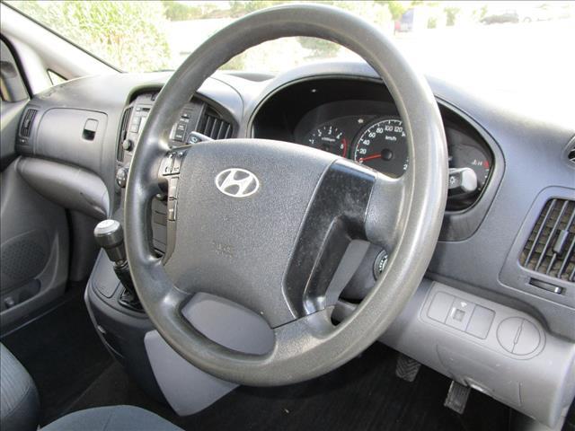 2010 HYUNDAI iLOAD CREW TQ 4D VAN