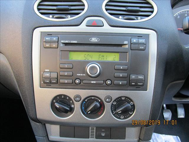 2006 FORD FOCUS ZETEC LS 5D HATCHBACK