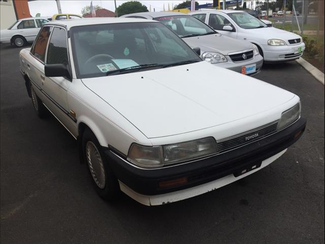1989 TOYOTA CAMRY EXECUTIVE SV22 4D SEDAN