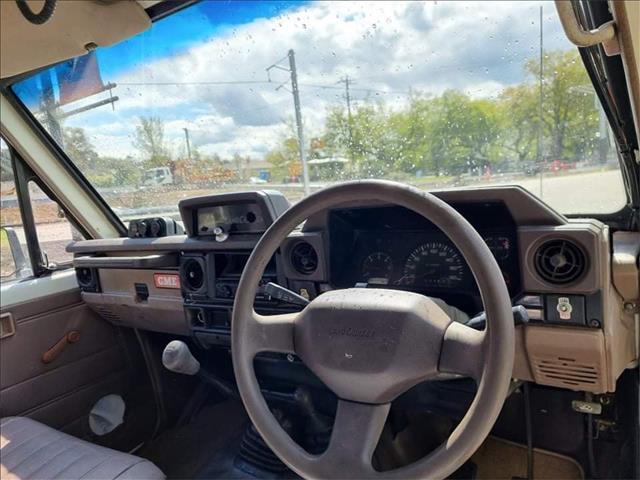 1994 TOYOTA LANDCRUISER (4x4) 11 SEAT HZJ75RV TROOPCARRIER