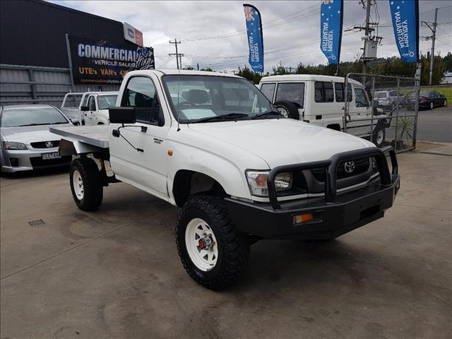 2002 TOYOTA HILUX (4x4) KZN165R C/CHAS