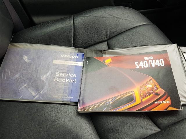 2000 VOLVO S40 1.8 MY01 4D SEDAN