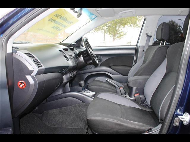 2010 MITSUBISHI OUTLANDER LS 7 SEAT ZH MY11 4D WAGON