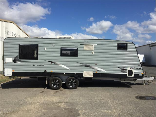 USED 24'6'' RETREAT DAYDREAM - WITH SINGLE BUNK