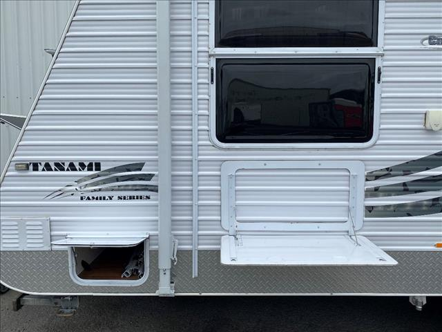 2011 USED 21'6 CREATIVE TANAMI BUNK CARAVAN