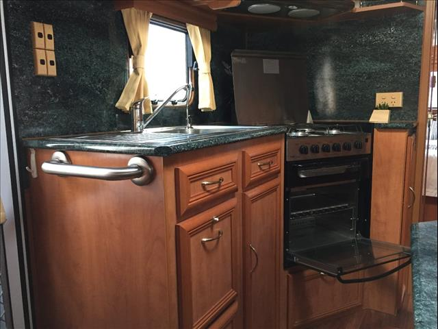 USED 21'X7.9'' 2005 ROADSTAR VOYAGER