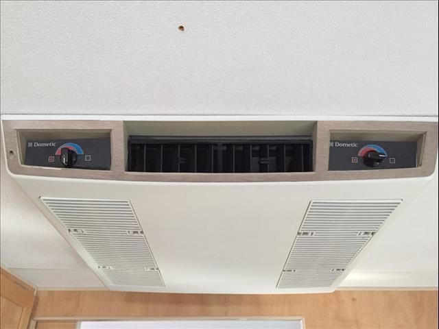 "USED 22'6""x7'9"" 2010 RETREAT HAMILTON CARAVAN"