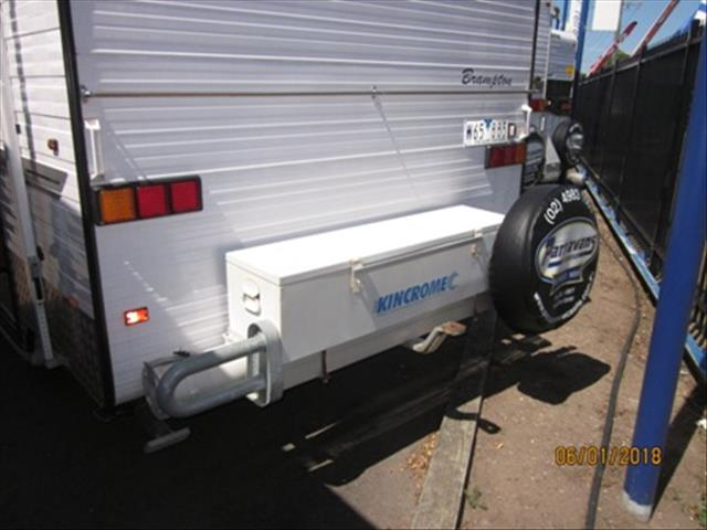 """USED 2008 22'6""""x7'9"""" RETREAT BRAMPTON CARAVAN"""