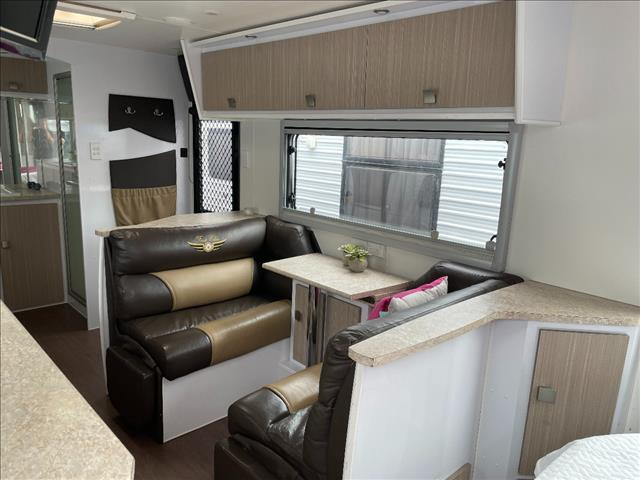 USED 21'6FT FIRST CLASS NEW YORK