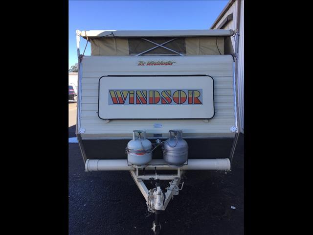 1987 15'' X 7'9'' WINDSOR POP TOP