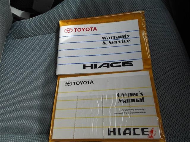 2006 TOYOTA HIACE LWB TRH201R 4D VAN