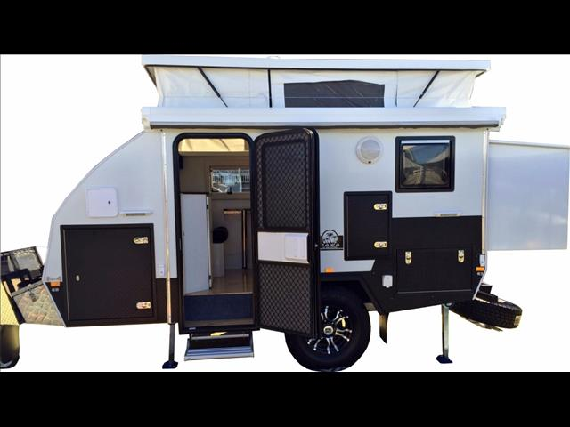 new trax 12 white series jawa off road hybrid caravan dinnette bunk ensuite for sale in. Black Bedroom Furniture Sets. Home Design Ideas