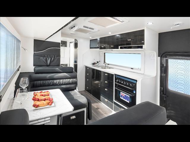 Red Centre Newell 21'6 Caravan (oro)