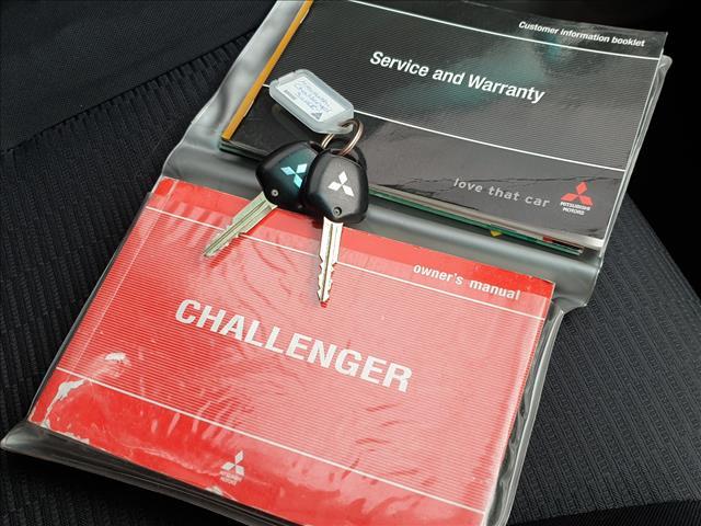 2010 MITSUBISHI CHALLENGER LS (5 SEAT) (4x4) PB 4D WAGON
