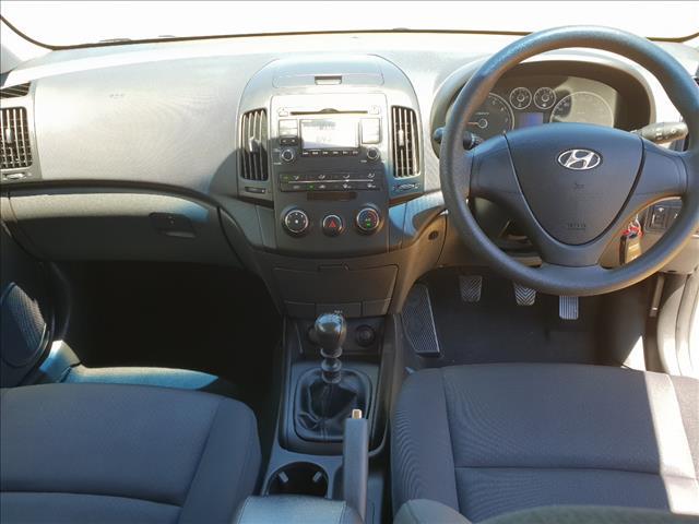 2011 HYUNDAI i30 SX FD MY11 5D HATCHBACK