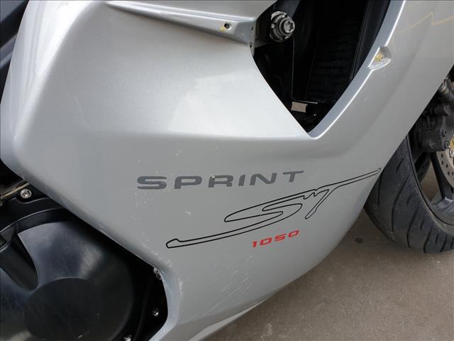 2007 TRIUMPH SPRINT ST 1050CC SPORTS